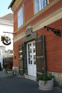 Arany Sas Pharmacy Museum