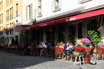 the terrace of Baltazar full of patrons