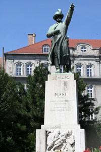bem_statue_budapest