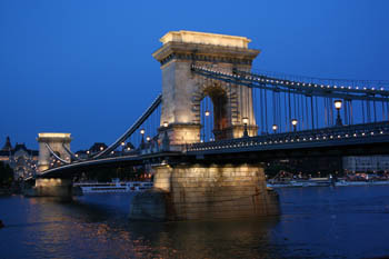 Chain Bridge at the blue hour