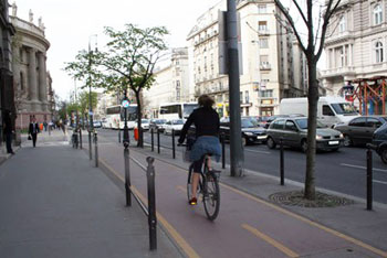 a woman cycling on the bike lane on Bajcsy-Zsilinszky road