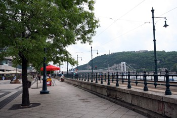 Danube promenade-nice walkway between the Chain Bridge and Elizabeth Bridge