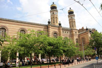 exterior view of the synagogue as seen from Dohany Str.