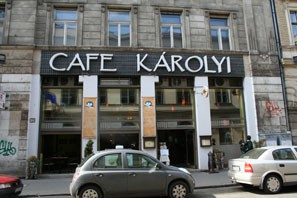 karolyi_cafe_outside