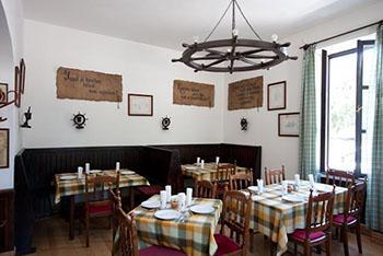 interior of Kéhli Restaurant