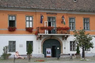 obuda_museum_main_square