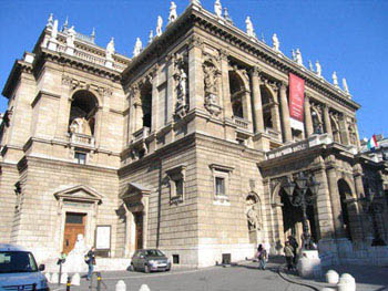Hungarian State Opera house from outside