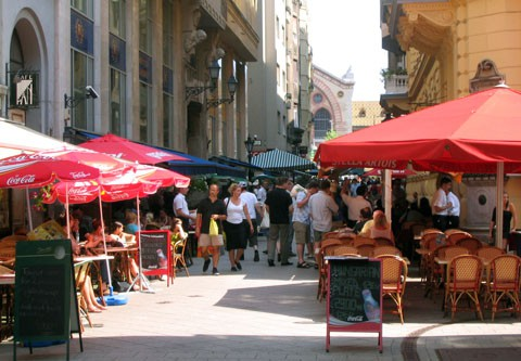 Ráday Utca - Packed with Restaurants & Cafes
