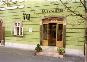 Ruszwurm Cafe entrance