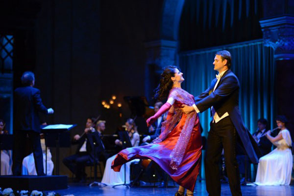 operetta feature of the Budapest Gala Concert -a couple singing and dancng on stage