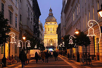 Budapest Christmas Market 2018.Christmas Markets In Budapest 2019 A Round Up Of The Top