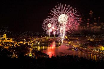 fireworks over the Chain bridge