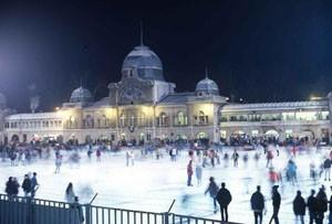 Ice-skating on City Park lake