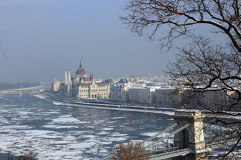 ice blocks on the Danube, part of the Chain Brigde and the Parliament form Buda