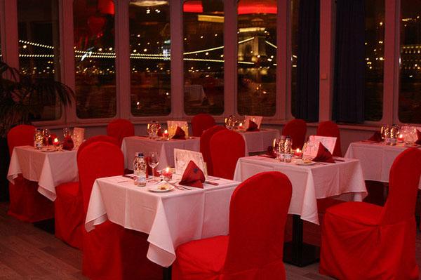 Valentine S Day Budapest Cruise Dinner Winetasting 14 February 2019