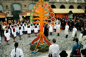 ritual dance around the Easter tree of life