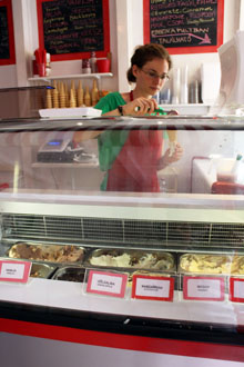 ice cream counter in Dolce Intervallo
