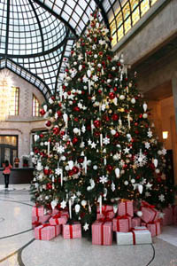 Christmas Tree in Four Seasons Budapest lobby