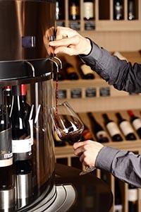 Tasting wine in CultiVini