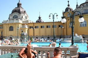 inside_szechenyi_bath01