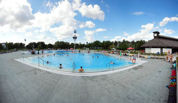 an open-air pool in Paskal