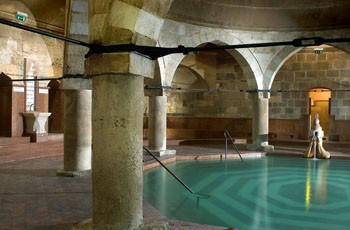 rudas_bath_budapest_octagonal_interior