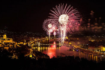 fireworks lighting up the Danube and the bridges