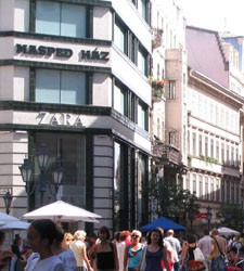 Hotel Boutique Zara from Vaci Street