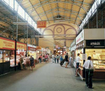 Budapest markets places to buy fresh hungarian food for Food bar lehel