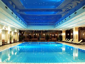 infinity pool in the Danubius Health Spa Helia
