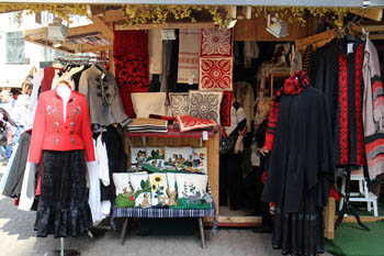 folk costumes and embroidery