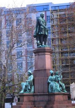 statue_istvan_szechenyi