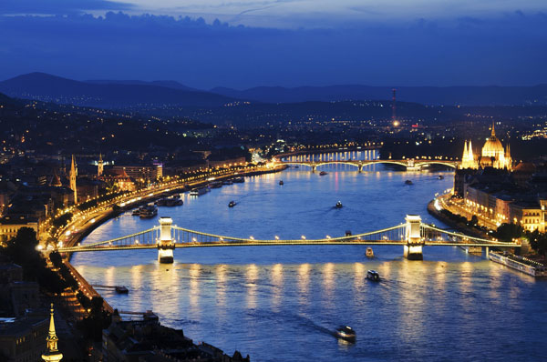 The Danube and the lighted Chain bridge at the blue hour