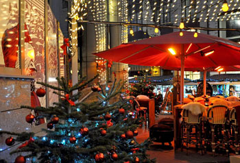 Christmas tree at the terrace of ES Bistro