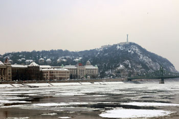 Gellert Hill with some snow, from the Pest riverbank
