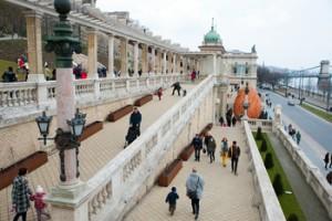 colonnaded walkway in the castle bazaar