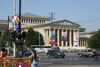 street view of the museum from Heroes' sqr.
