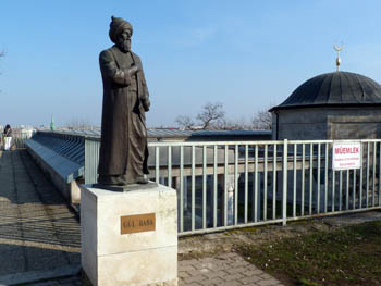 the standing brontze statue of Gul baba