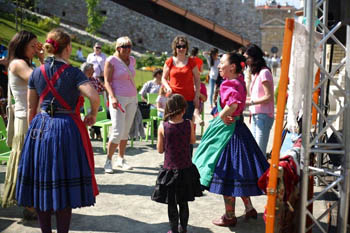 dance house with children in the garden of Castle Bazaar