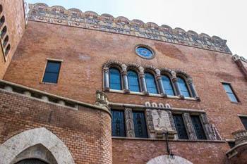 part of the synagogue's Moorish-style facade